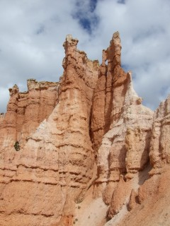 close hoodoo 240x320
