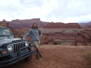 jeep dan canyonlands 320x240