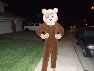 dan bear halloween 320x240