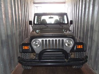 jeep in container 320x240