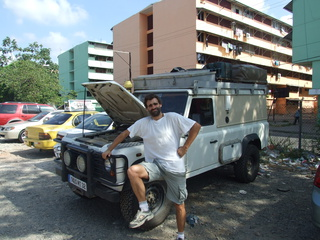 vince and land rover 320x240