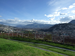quito city view 320x240