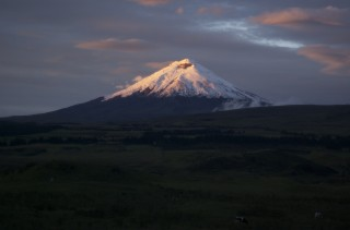 cotopaxi sunrise 320x211