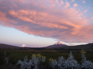 cotopaxi sunset 320x240