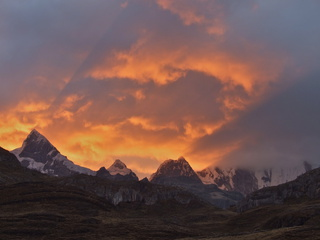huayhuash sunset 320x240