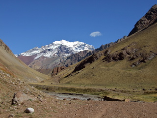 trail to aconcagua 320x240