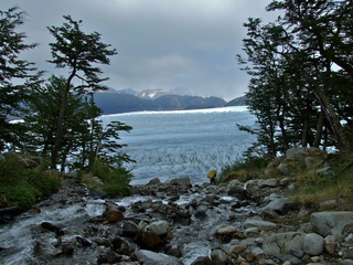 close to grey glacier 320x240