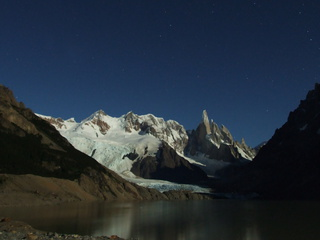 laguna torre night 320x240