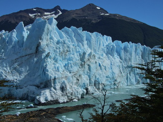 perito moreno up close 320x240